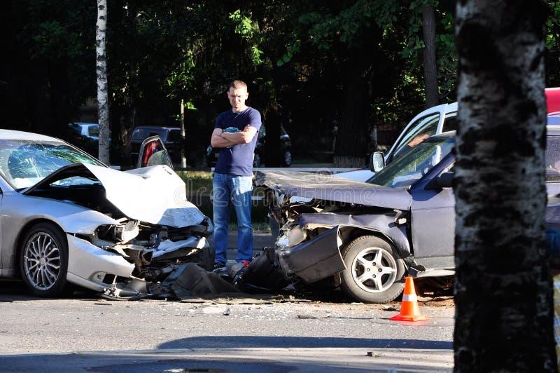 изолированная иллюстрация автомобиля аварии 3d представила белизну стоковые изображения