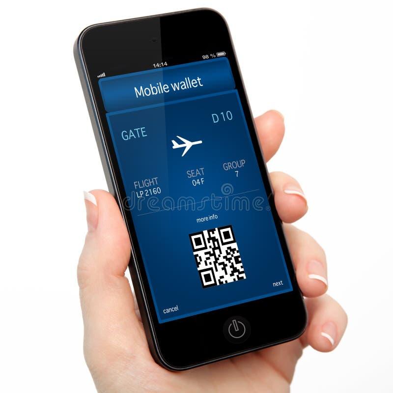 Изолированная рука женщины держа телефон с передвижными бумажником и p стоковые фотографии rf
