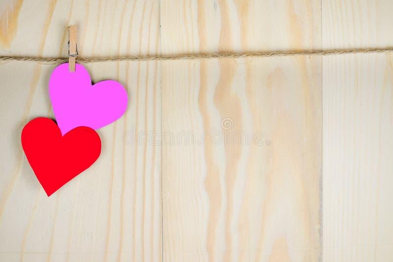 изолированная сердцем белизна томата формы стоковое фото