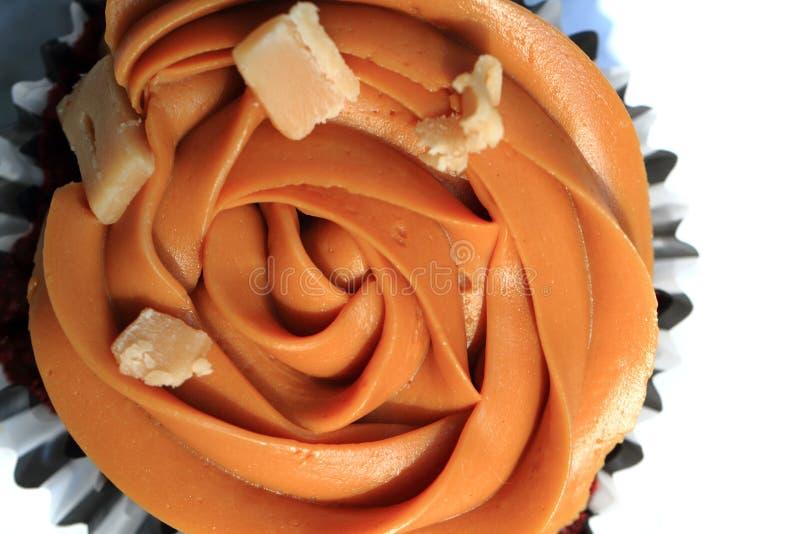 Изолированное пирожное карамельки стоковые изображения rf