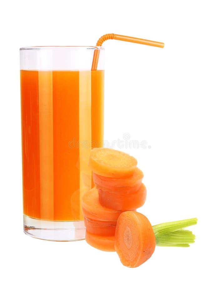 Изолированные морковь и сок стоковые фотографии rf