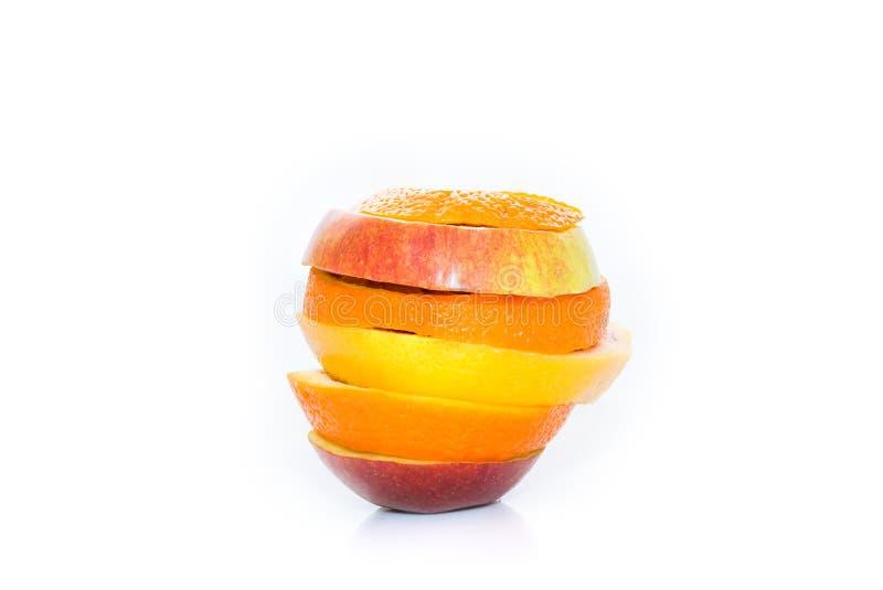 Download Изолированные цитрусовые фрукты яблок, апельсина и Стоковое Изображение - изображение насчитывающей вкусно, листья: 40585635