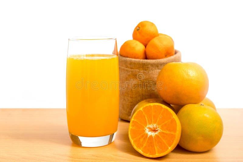 Изолированный апельсинами комплект отрезка стоковое изображение