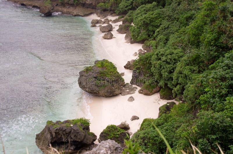 Изолированный пляж Тонга стоковое изображение