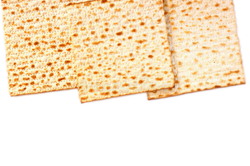 Изолированный Matzoh (еврейский хлеб еврейской пасхи) стоковое фото