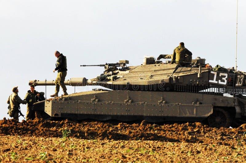Израильский танк около сектора Газаа стоковые фотографии rf