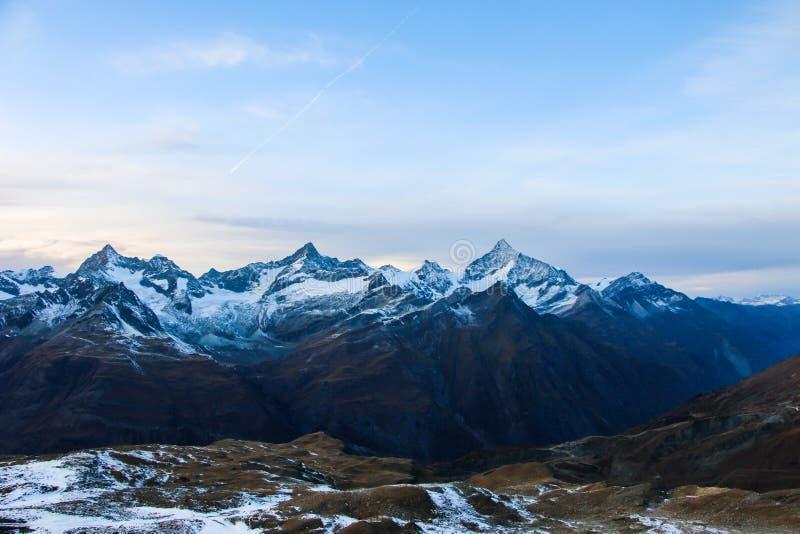 Изумительная панорама от рая ледника Маттерхорна к Zermatt стоковая фотография
