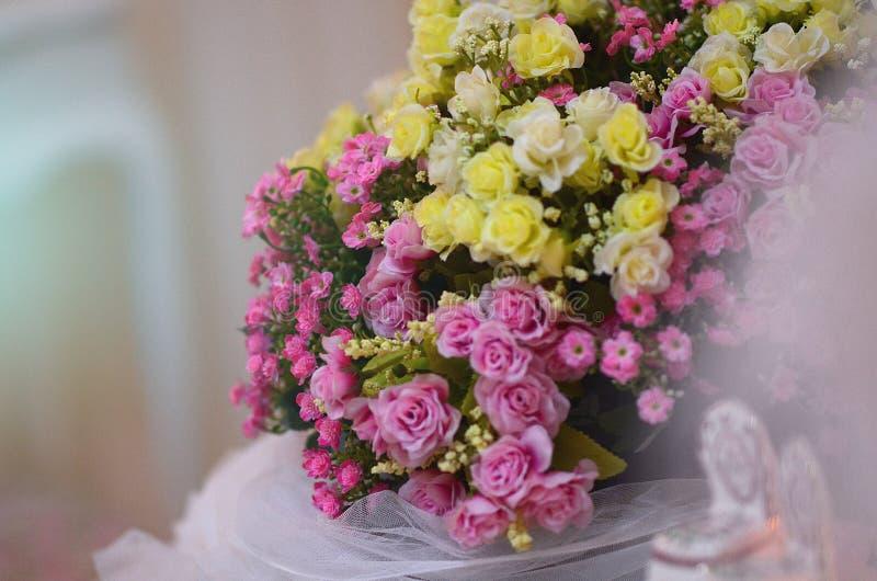 Изумительное расположение букета цветка стоковые фото