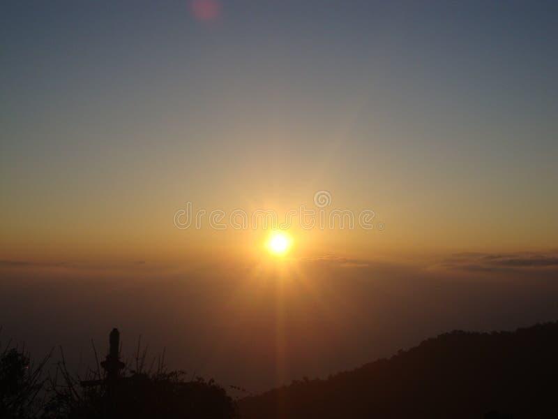 Изумительный восход солнца холма тигра стоковое изображение rf