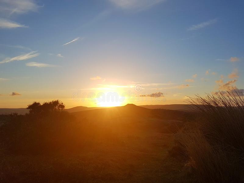 Изумительный заход солнца! До сих пор от дома стоковое фото rf