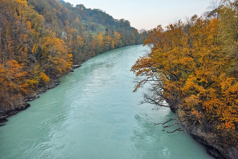 Изумительный ландшафт Роны, кантон осени Во, Швейцарии стоковая фотография rf