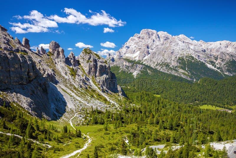Изумительные горы горной вершины стоковое изображение rf