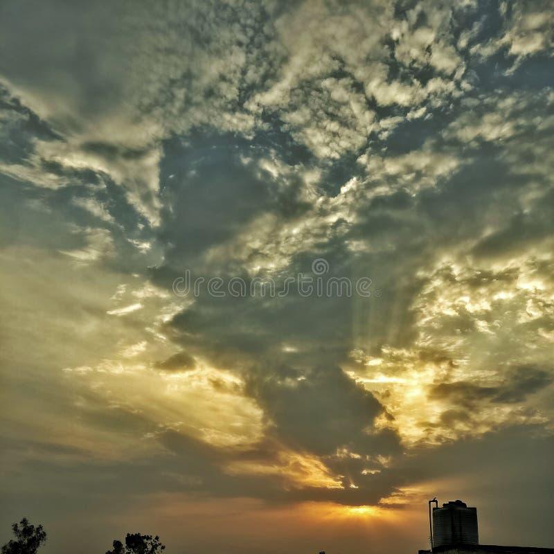 Изумительный взгляд захода солнца стоковые фотографии rf