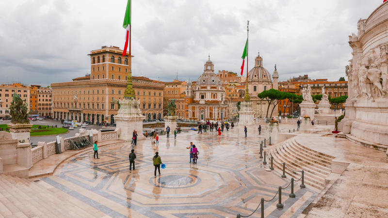 Download Изумительный взгляд от национального монумента в Риме Редакционное Фото - изображение насчитывающей итальянско, roma: 81808726