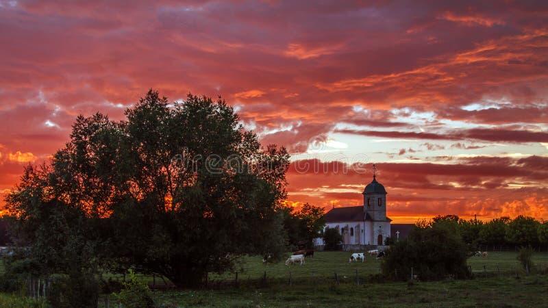 Изумительный заход солнца в Franche-Comté, Франции стоковое изображение