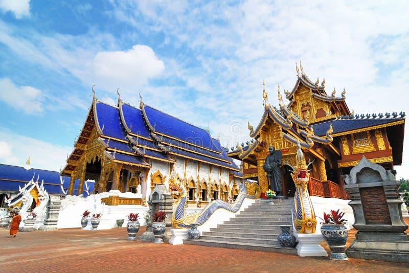 Изумительный красивый висок (висок вертепа запрета Wat) в Chiangmai Thail стоковое изображение rf