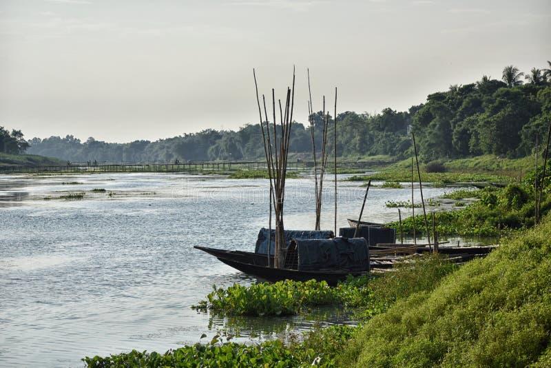 Изумляющ ландшафт реки Jalangi, ветвь Ганга в районах Murshidabad и Nadia в индийском государстве запада стоковое фото