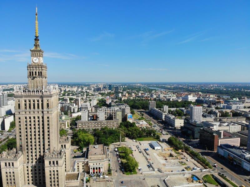Изумляя взгляд сверху Столица Польши Большая Варшава центр города и surrondings Воздушное фото созданное трутнем Дворец стоковые фотографии rf