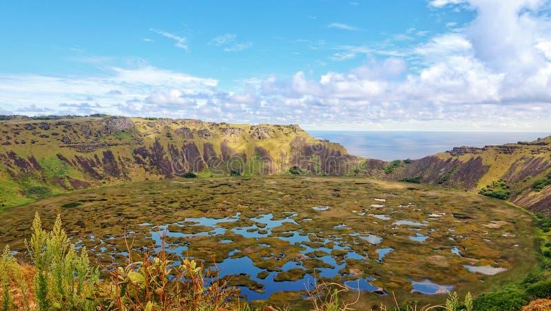 Изумляя вулкан в острове Rapa Nui, Чили стоковая фотография