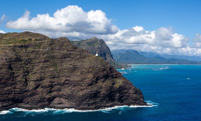Изумляя сценарный вид с воздуха похода следа маяка пункта Makapuu стоковое фото