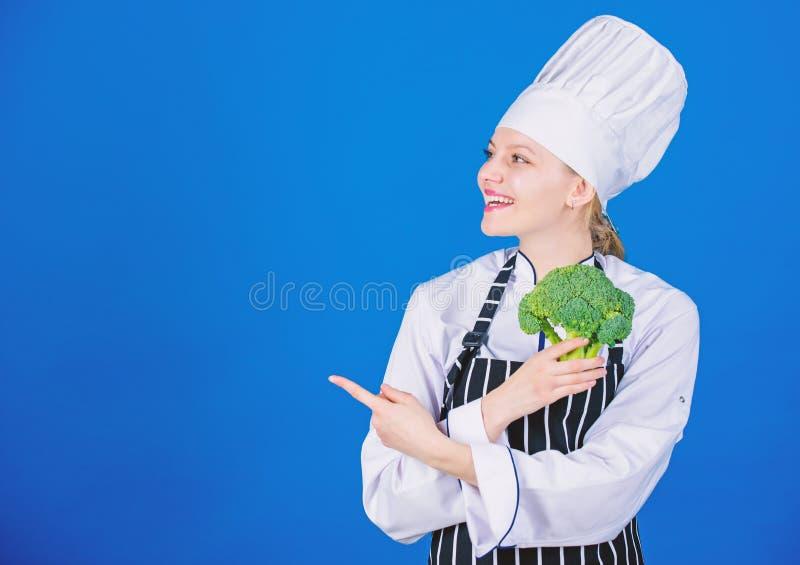 Изумляя факты брокколи вы должны знать E r o Овощ владением девушки E стоковое фото