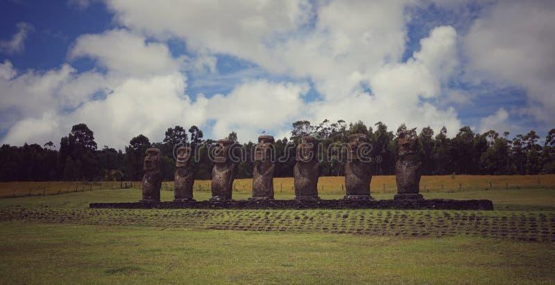 Изумляя Moai в острове Rapa Nui, Чили стоковая фотография