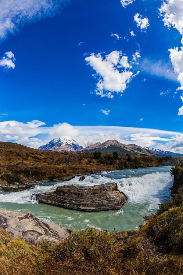 Изумрудное река Paine стоковое изображение