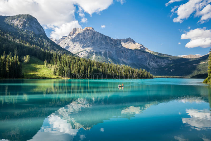изумрудное yoho национального парка озера стоковое фото
