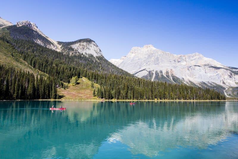 Изумрудное озеро, национальный парк Yoho, Британская Колумбия, Канада стоковое фото rf