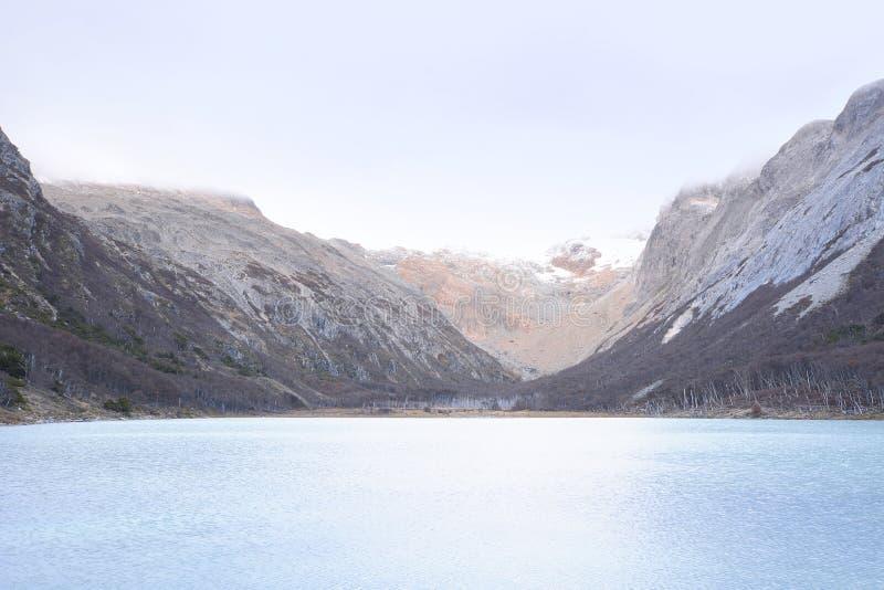 Изумрудное озеро Laguna Esmeralda в Ushuaia стоковое изображение