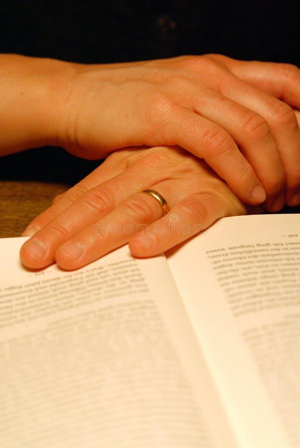 Download изучать книги стоковое фото. изображение насчитывающей текст - 482968