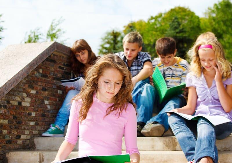 изучать студентов средней школы стоковая фотография