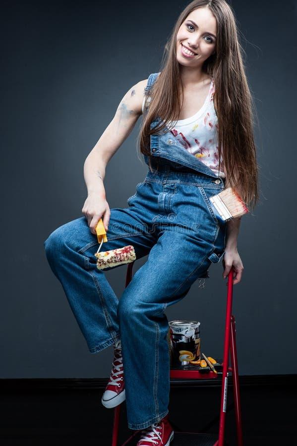 Изящное искусство Художник женщины на белизне стоковые фото