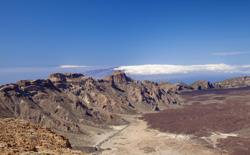 Из отеля Tenerife открывается вид на Канада-дель-Тейде стоковое изображение rf
