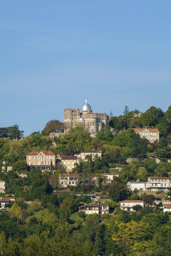 Из укрепленного отеля Penne d`Agenais открывается вид на сельскую местность в районе Лот и Гаронн, Франция стоковые изображения