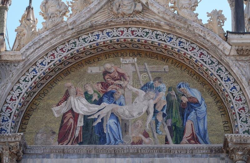 Иисус Христос низложения от креста стоковое фото rf