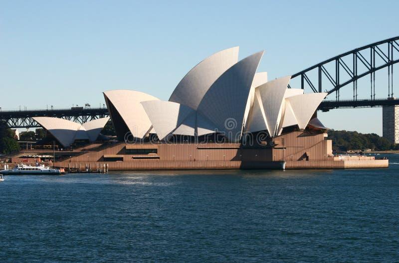 Иконическая достопримечательность оперного театра Сиднея на портовом районе CBD стоковое изображение rf