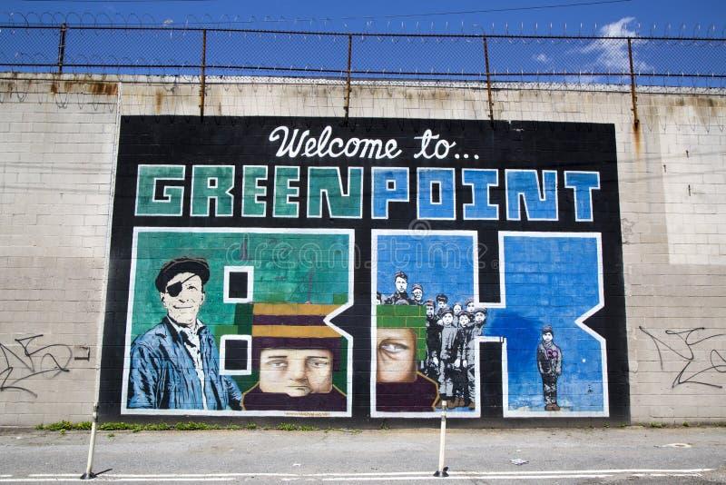 """Иконическое """"Welcome к настенной росписи  Greenpoint BK†на проекте настенной росписи улицы Индии в Бруклине стоковое фото"""