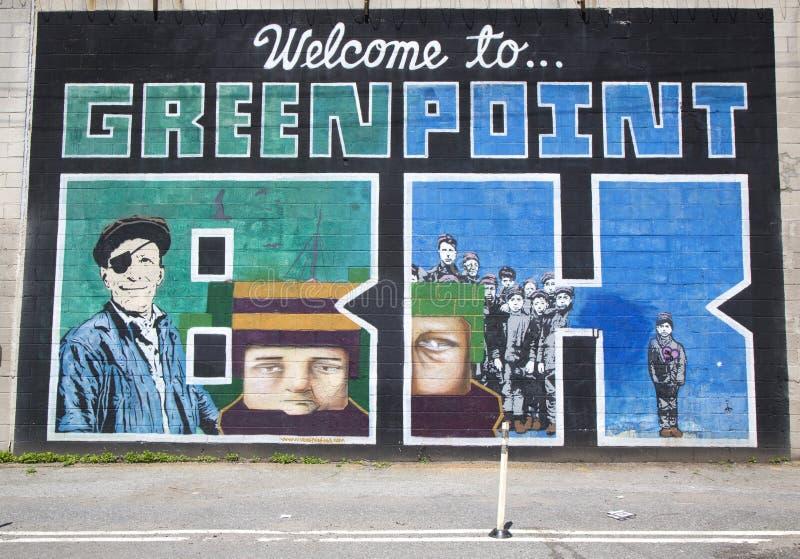"""Иконическое """"Welcome к настенной росписи  Greenpoint BK†на проекте настенной росписи улицы Индии в Бруклине стоковое изображение rf"""