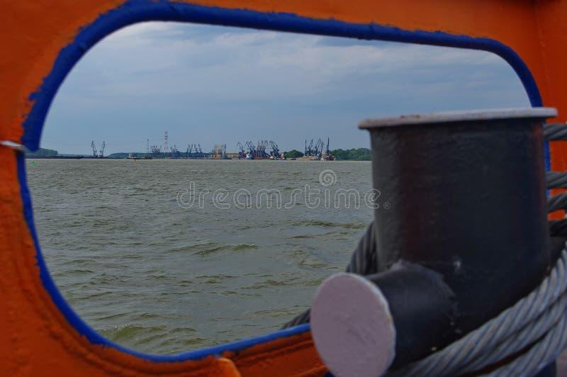 Иллюминатор шлюпки на Дунае - Румынии стоковые изображения rf
