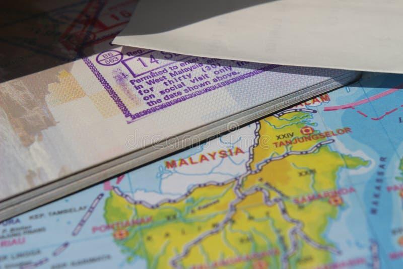 Иллюстрация фото для отключения дела или каникул/путешествовать, атласа и паспорта стоковые фото