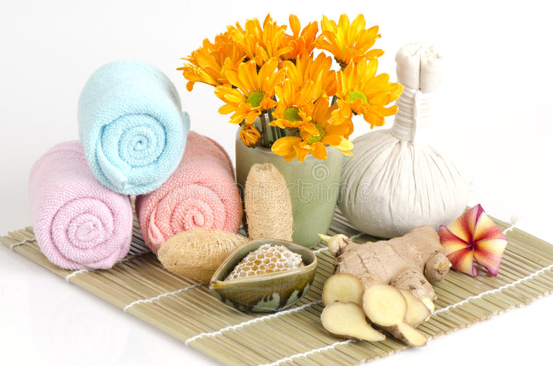 Имбирь scrub и рецепты меда, уменьшают морщинки и делают кожу накалить Чувствовать теплую депрессию затишья ветерка Нервная систе стоковые изображения rf