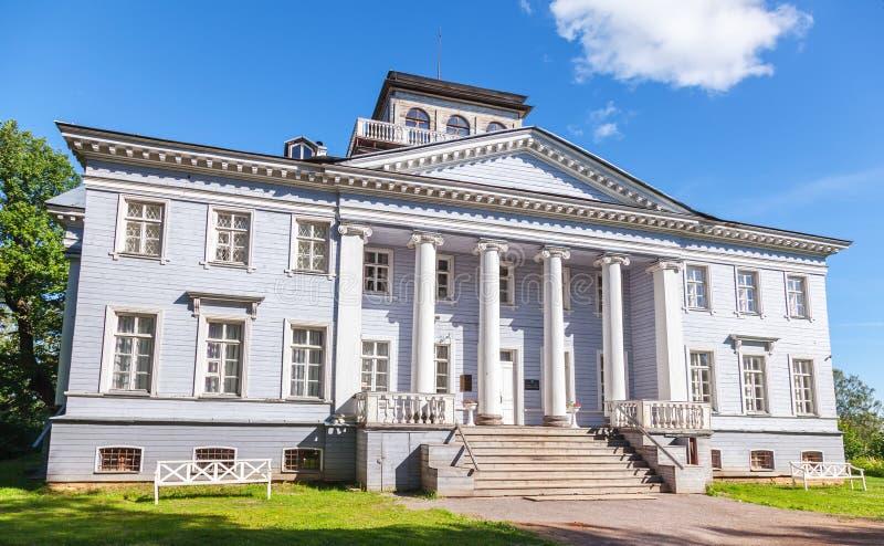 Имущество мемориала Rozhdestveno Фасад музея стоковое фото