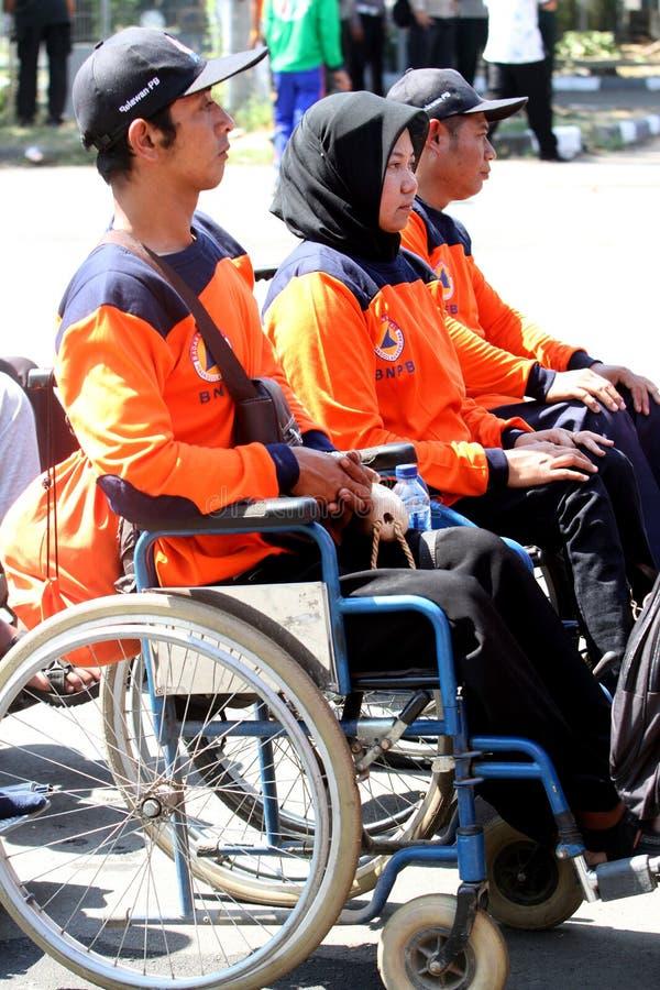 Инвалиды вызываются добровольцем стоковая фотография rf