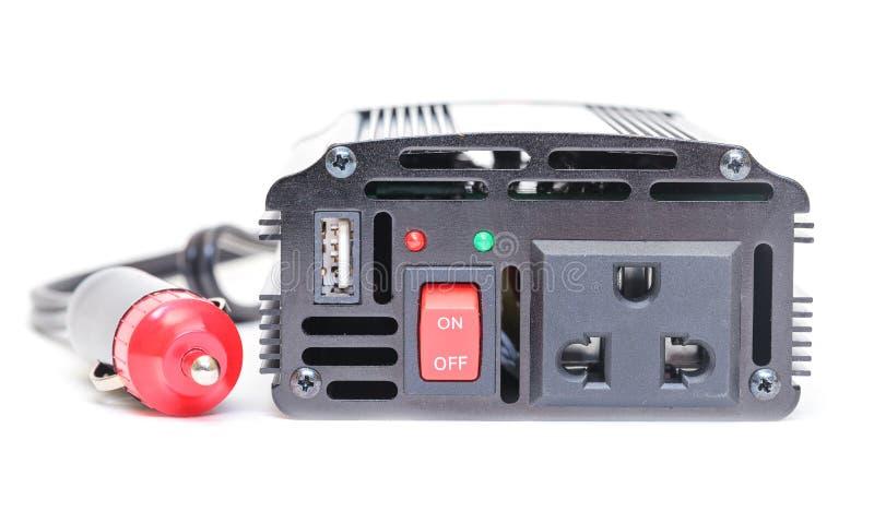 Инвертор силы автомобиля, DC к AC от батареи автомобиля стоковые изображения rf