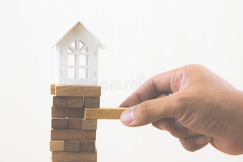 Инвестиционный риск и неопределенность в рынке недвижимости недвижимости стоковая фотография