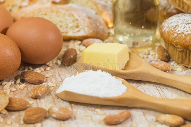 Ингредиенты пекарни стоковое изображение rf