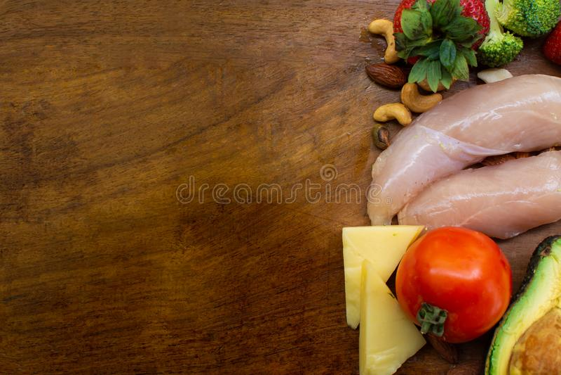 Ингредиенты Keto на деревянном столе стоковое фото rf
