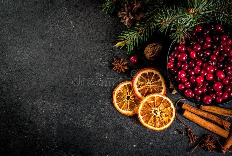 Ингридиенты для выпечки и пить рождества стоковые изображения rf