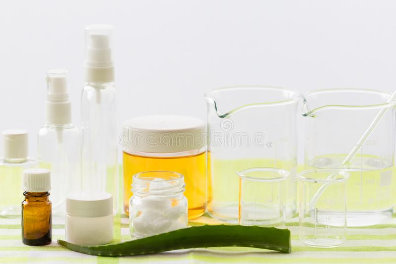Ингридиенты для продукции естественных косметик красоты, конца-вверх стоковая фотография rf